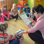 """Zajęcia edukacyjne w kręgu w ramach programu ,,Akademia Czystych Rąk"""""""